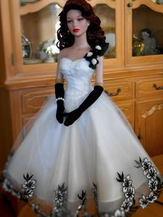 Lovely black and white gown.