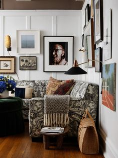 Step into the Chicago apartment of Devin Kirk, VP of merchandising at Jayson Home. His home is proof that family-friendly can also be elegant Living Room Designs, Living Room Decor, Living Spaces, Living Rooms, Living Room Inspiration, Interior Inspiration, Home Interior, Interior Design, Nordic Interior