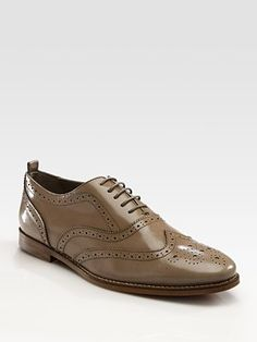 Burberry oxford. It looks like every designer has a women's oxford this year, I like this but I haven't a clue what to wear it with. A wide-leg trouser like 1940s Katherine Hepburn? Some sort of hipstery skirt?