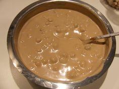 Tort delicios cu 2 feluri de cremă - o rețetă inedită! - Bucatarul.tv Brownies, Pudding, Desserts, Food, Cakes, Meal, Custard Pudding, Deserts, Essen