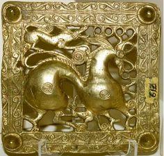 Scythians - Wikipedia, the free encyclopedia Gold Scythian belt title, Mingachevir (ancient Scythian kingdom), Azerbaijan, century BC. Ancient History, Art History, Eurasian Steppe, Argent Antique, Iron Age, Ancient Jewelry, Ancient Artifacts, Ancient Civilizations, Charms