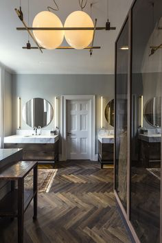 Master bathroom interior of the Harley Street, London residential project completed by SHH Architects. Further details on the project can be found on the SHH Architects website. #architecture #shharchitects #interiordesign #luxurydesign #bathroom #washroom