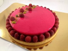 Raspberry tart, pistachio, Recipe for Raspberry tart, pistachio by Emilie P. Pistachio Recipes, Tart Recipes, Cupcake Recipes, Chocolate Raspberry Cake, Chocolate Cake, Raspberry Tarts, Bon Dessert, No Cook Meals, Food And Drink