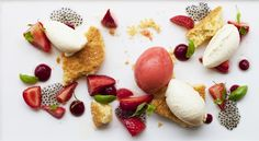 Deconstructed strawberry vanilla cheesecake with marinated strawberries, basil seed caviar, strawberry sorbet and candied basil leaves. Strawberry Sorbet, Strawberry Cheesecake, Vegan Restaurants, Lunches And Dinners, Food Photo, Gourmet Recipes, Good Food, Brunch, Vegetarian