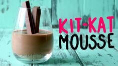 Kit Kat Recipes, Vanilla Milk, Whipped Cream, Mousse, Wine Glass, Food Porn, Yummy Food, Fingers, Smooth