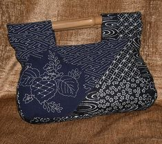 sashiko bag...this is so beautiful, colour, style, stitching design, and different