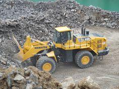 Komatsu intros WA600-8 loader with a better standard bucket, powertrain improvements   Equipment World   Construction Equipment, News and Information   Heavy Construction Equipment