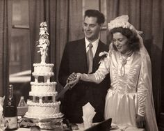 Tips For Planning The Perfect Wedding Day. A wedding should be a joyous occasion for everyone involved. The tips you are about to read are essential for planning and executing a wedding that is both 1940s Wedding, Vintage Wedding Photos, Vintage Bridal, Vintage Weddings, Wedding Pictures, Vintage Photos, Wedding Attire, Wedding Day, Wedding Dresses