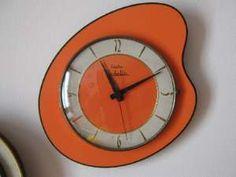 collection de pendules murales / horloges
