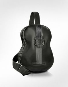 Guitar backpack w/ speaker but I like the brown one. Guitar Bag, Unique Guitars, Funky Shoes, Best Gifts For Men, Leather Keychain, Look Cool, Calf Leather, Black Leather, Purses And Handbags
