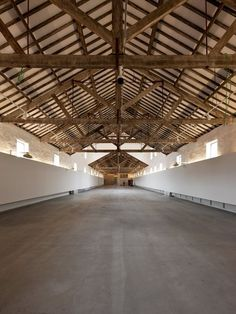 The architectural Project – which comes a hundred years after the Real Vinícola was built, between 1897 and 1901 – is grounded on. Property Buyers, Roof Trusses, Urban Loft, Urban Industrial, Built In Storage, Interior Design Tips, Wooden Flooring, Contemporary Architecture, Home Improvement Projects