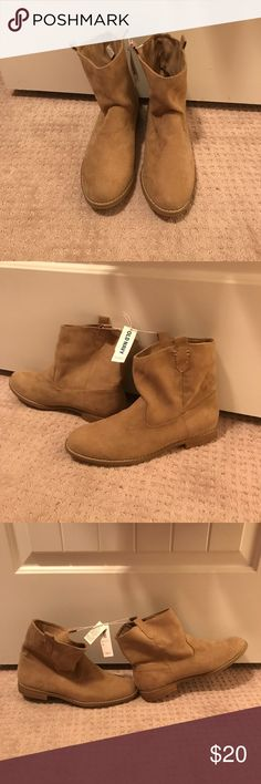 Old Navy Tan Boots NWT size 10 Old Navy Tan Boots NWT size 10 Shoes Ankle Boots & Booties