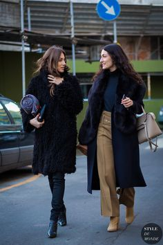 Giorgia and Giulia Tordini Street Style Street Fashion Streetsnaps by STYLEDUMONDE Street Style Fashion Photography
