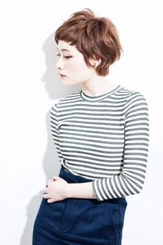 How To Keep Long Hair In Tip Top Condition. The long hair style is hot, which is why lots of women choose to use prolonged, free-flowing hairs rather than the popular short styles of the day. Cute Hairstyles For Short Hair, Pixie Hairstyles, Pixie Haircut, Pretty Hairstyles, Short Hair Cuts, Short Bangs, Short Wavy, Brown Pixie Cut, Pixie Cuts
