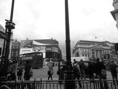 Piccadilly Circus lo snodo di tante vite