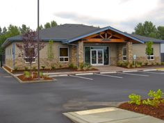 Single-story office building for our Seattle Branch located in Marysville, WA. Building Front, Building Exterior, Building Design, Building Ideas, Medical Office Design, Modern Office Design, Best Exterior Paint, Exterior House Colors, Daycare Design