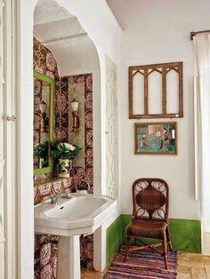 Seventeenth-century Moorish building in the Seville town of Carmona/ Javier Gonzalez Sanchez-Dalp / Una casa de campo señorial Bathroom Inspiration, Interior Inspiration, Interior And Exterior, Interior Design, Spanish House, Spanish Style, Bohemian Interior, Bathroom Colors, Colorful Bathroom