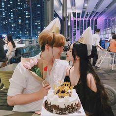 New birthday boyfriend relationships sweets ideas Gay Couple, Couple Posing, Ulzzang Couple, Ulzzang Girl, Korean Couple, Korean Girl, Cute Couples Goals, Couple Goals, Parejas Goals Tumblr