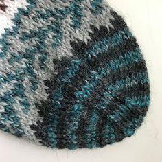 Metsän siimeksessä -sukat Knitted Hats, Beanie, Knitting, Marimekko, Fashion, Moda, Tricot, Fashion Styles, Breien