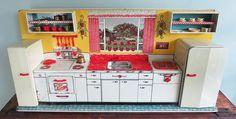 Marx Modern Toy Kitchen Set, Circa 1950 - The T-Cozy