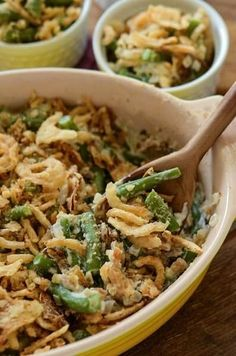 The Best Green Bean Casserole. You make your own cream of mushroom soup with portobello mushrooms and add sweet yellow onions and garlic. Then you stir in perfect fresh green beans and top it with crispy french fried onions! Top Recipes, Vegetable Recipes, Cooking Recipes, Side Recipes, Greenbean Casserole Recipe, Casserole Recipes, Best Green Bean Casserole, Green Bean Casserole Easy Thanksgiving, Tasty