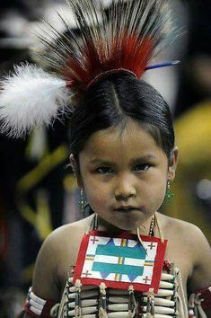 Native American child //Awe, what a cutie, precious EL// Native Child, Native American Children, Native American Beauty, Native American Photos, Native American Tribes, American Indian Art, Native American History, We Are The World, Native Indian