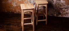 Oak rustic bar stool Rustic Bar Stools, Barrel Furniture, Made Of Wood, Rustic Decor, Wicker, Home And Garden, Vintage, Home Decor, Decoration Home