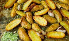 Ovnsstekte mandelpoteter med limesalt Pretzel Bites, Food Inspiration, Pickles, Cucumber, Tapas, Grilling, Bread, Hot, Ethnic Recipes