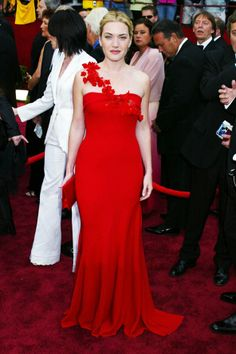 Kate Winslet Style & Fashion: Pictures/Photos 1996-2012 (Vogue.com UK) - in en de Lisi gown to the 2002 Oscars