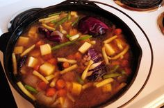 Newfoundland And Labrador, Beef Recipes, Crockpot, Main Courses, Canada, Food, Green Beans, Meal, Cooking Food