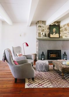 Here are 10 natural stone fireplaces that make you want to reconsider using your paintbrush on your fireplace.