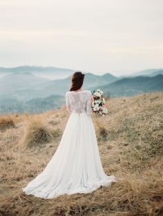 NON-CORSET A SILHOUETTE WEDDING DRESS WITH NUDE LACE BODICE | Cathy Telle