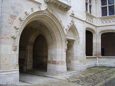 Palais Jacques Coeur - entrée principale