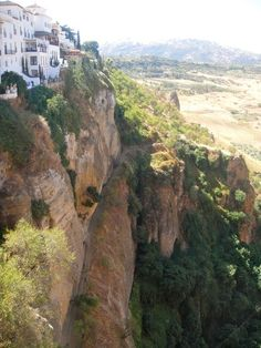Ronda is Málaga province's most spectacular town, perched on an inland plateau river by the fissure of El Tajo gorge. Surrounded by mountains, Ronda is one of the prettiest ofAndalucía's whitewashed villages. Ronda Spain, Places In Spain, Andalucia Spain, Picts, Malaga, Travelling, Bucket, Europe, Dreams