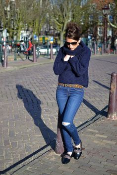 Outfit from Amsterdam http://www.matmonblog.fr/amsterdam-love-u-2/