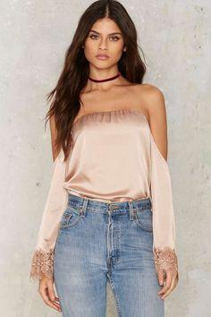 Drag Lace Off-the-Shoulder Blouse - Clothes | Last Chance | Blouses | Off The Shoulder