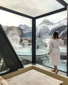 AQUA DOME // My first trip this year was a wellness weekend in beautiful Tyrol. and I spent a relaxing weekend The warm water, the snowy mountains and the beautiful spa area made this trip unforgettable. I high Aqua, Hotels, Snowy Mountains, Weekend Trips, Dom, Earth, Water, Instagram Posts, Travel