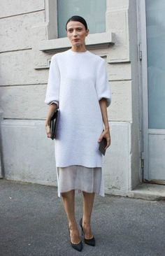 See all of the street style snaps from Day 7 of Paris Fashion Week here… Mode Style, Style Me, Trendy Style, Look Fashion, Fashion Outfits, Workwear Fashion, Paris Fashion, Fashion Black, Fashion Models