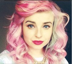 pink curly hair!! ITS MELONLADY!!!
