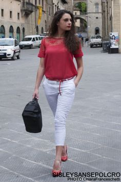 #womanstyle #totallook #sisleysansepolcro Camicia 39,95€ Pantalone 49,95€ Cintura 19,95€ Decolletè 69,95€ Borsa 59,95€