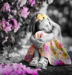 Zdjęcie Cute Kids Photography, Splash Photography, Color Photography, Color Mixing, Color Pop, Color Splash Photo, Splash Images, Little Girl Models, Kid Poses