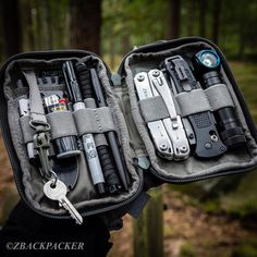 Looking for new EveryDay Carry (EDC) inspiration? We publish daily new EDC content with links where to buy. Don't miss our newest EDC gear. Bushcraft, Edc Tactical, Tactical Backpack, Survivalist Gear, Edc Bag, Edc Gadgets, Everyday Carry Gear, Mens Toys, Tac Gear