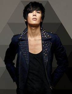 Park Jung Min.  Oh Park jungmin of SS501 ur so hot,but you can't fool me,I'm side-eyeing u with ur body waves & girly dancing XD