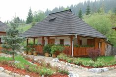 Cabin Plans, House Plans, Beautiful Homes, Beautiful Places, Romania Travel, Kerala Houses, Village Houses, Design Case, Traditional House