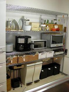 30 Insanely Smart DIY Kitchen Storage Ideas - Best Home Ideas and Inspiration Kitchen Storage Boxes, Kitchen Shelves, Kitchen Organization, Kitchen Dining, Kitchen Decor, Kitchen Racks, Open Kitchen, Kitchen Interior, Interior Design Living Room