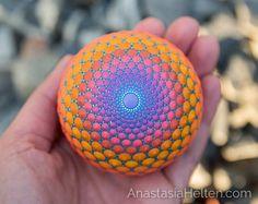Welcome to the world of beautiful Mandalas! Circle Painting, Dot Art Painting, Mandala Painting, Pebble Painting, Mandala Art, Stone Painting, Art Pierre, Zentangle, Hand Painted Rocks