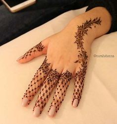 Lately, the mehndi designs have evolved into something uniquely simpler. They are comparatively more casual, easy to design and suits to every single style. A fully loaded mehndi handprint is Henna Hand Designs, Mehandi Designs, Mehndi Designs Finger, Modern Mehndi Designs, Mehndi Designs For Girls, Mehndi Design Images, Mehndi Designs For Fingers, Beautiful Henna Designs, Arabic Mehndi Designs