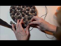 Beginning Rug Braiding: Lacing Increases in Circles Braided Rug Tutorial, Toothbrush Rug, Braided Wool Rug, Rope Rug, Denim Crafts, Fabric Strips, Recycled Crafts, Fabric Shades, Rug Hooking