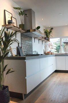 House from the - StijlStudio 4 - Kerkplein 5 - Home Decor Kitchen, New Kitchen, Home Kitchens, Small Space Interior Design, Interior Design Kitchen, Interior Livingroom, Concrete Kitchen, Kitchen Countertops, Concrete Countertops