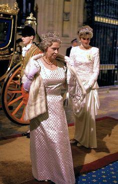 """aroyalargentinian: """"Queen Elizabeth II and Princess Diana. """""""